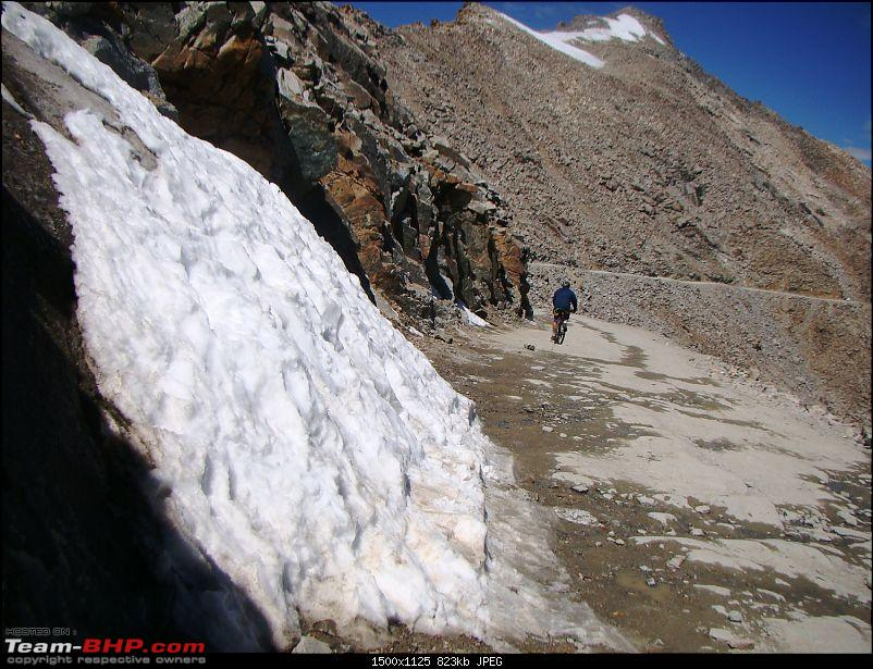 Ladakh: A sojourn to the roof of the world…over 21 days and 6500kms!!-d12-8-snow-near-khardungla.jpg
