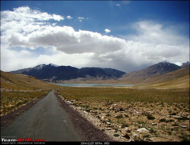 Ladakh: A sojourn to the roof of the world…over 21 days and 6500kms!!-d13-18-lake-before-tso-morriri.jpg