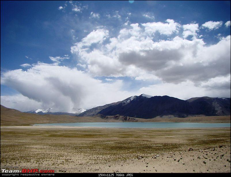 Ladakh: A sojourn to the roof of the world…over 21 days and 6500kms!!-d13-19-lake-before-tso-morriri.jpg