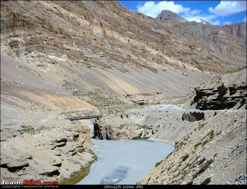 Ladakh: A sojourn to the roof of the world�over 21 days and 6500kms!!-d14-26-twing-twing-bridge.jpg