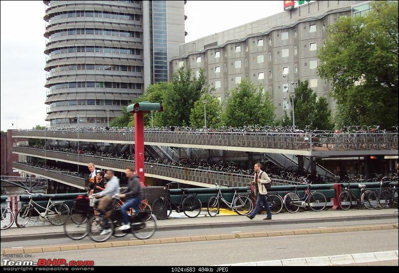 Travelogue � Country of low lands & the City of lights-2-cycles-parked.jpg