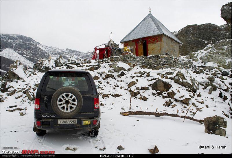 Sach Pass & the Season's first snowfall (Oct - 2011)-044.jpg
