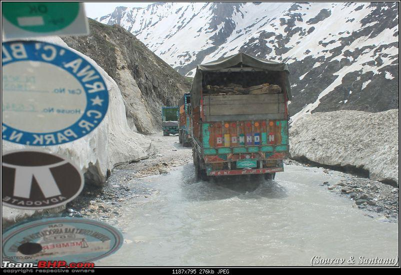A journey through Leh & Ladakh � Barren beauty at its best-170-traffic-zojilla-pass.jpg