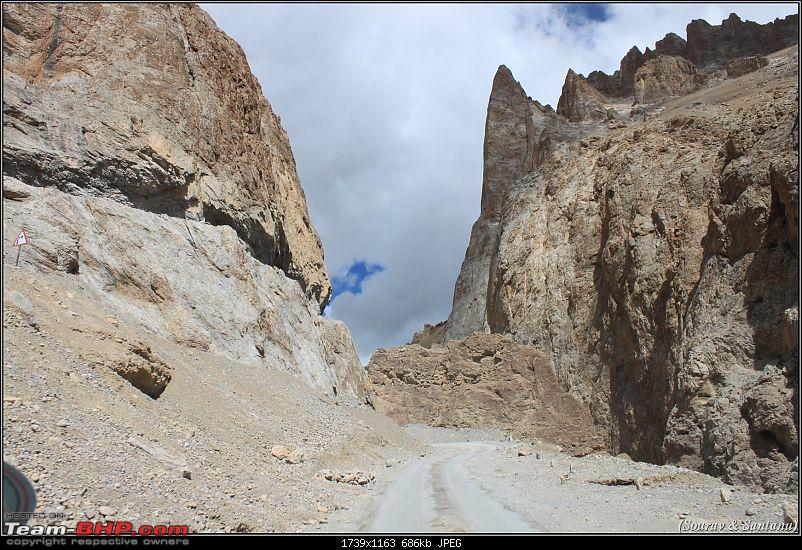 A journey through Leh & Ladakh � Barren beauty at its best-30-roads-toward-lachung-la.jpg
