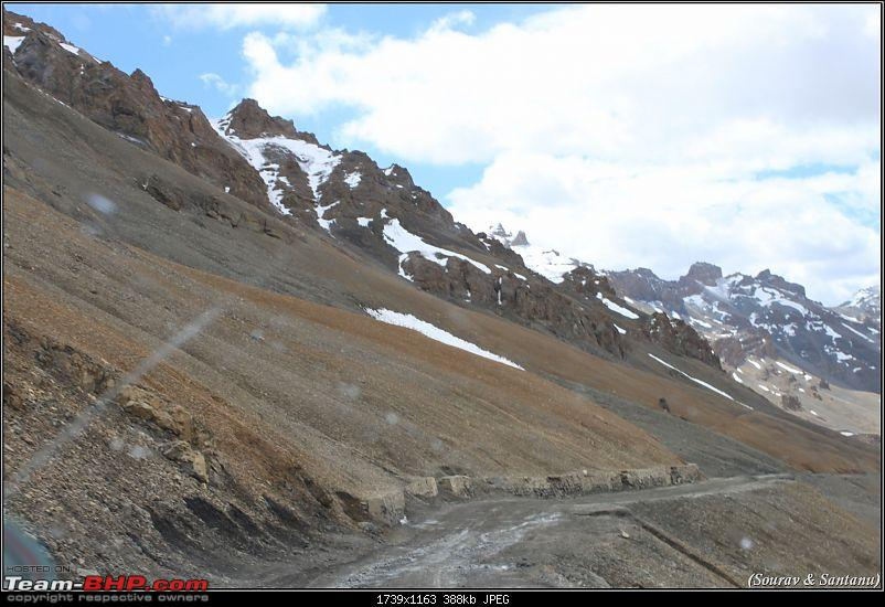 A journey through Leh & Ladakh � Barren beauty at its best-36-way-down-lachung-la.jpg