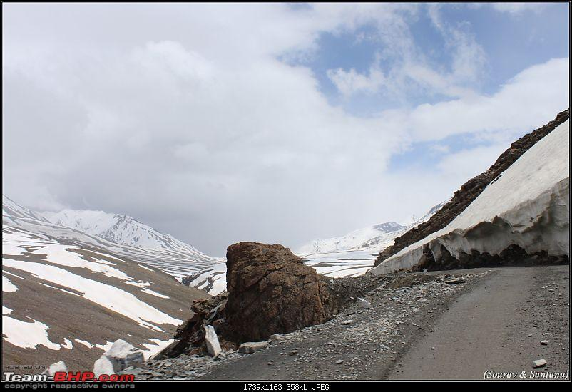 A journey through Leh & Ladakh � Barren beauty at its best-67-another-view-road.jpg