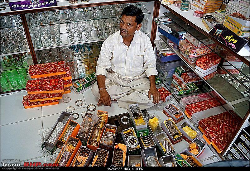 Firozabad : The City That Handles Glass With Care!-bangleseller.jpg