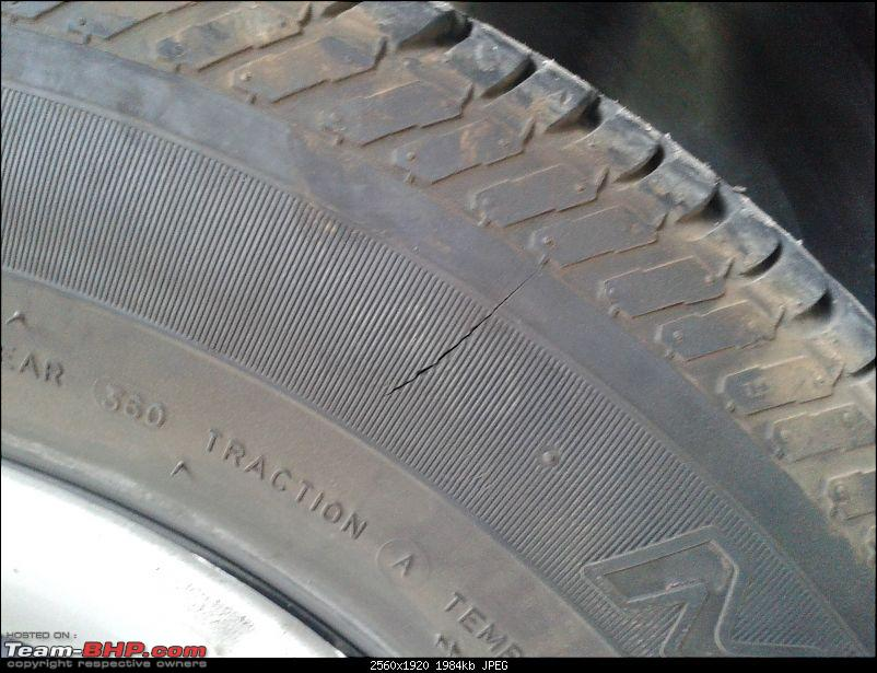 Sidewall puncture in tubeless tyre-20151129_091302.jpg