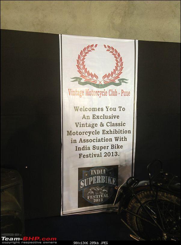 Vintage bike display at India Superbike Festival, Pune-01.jpg