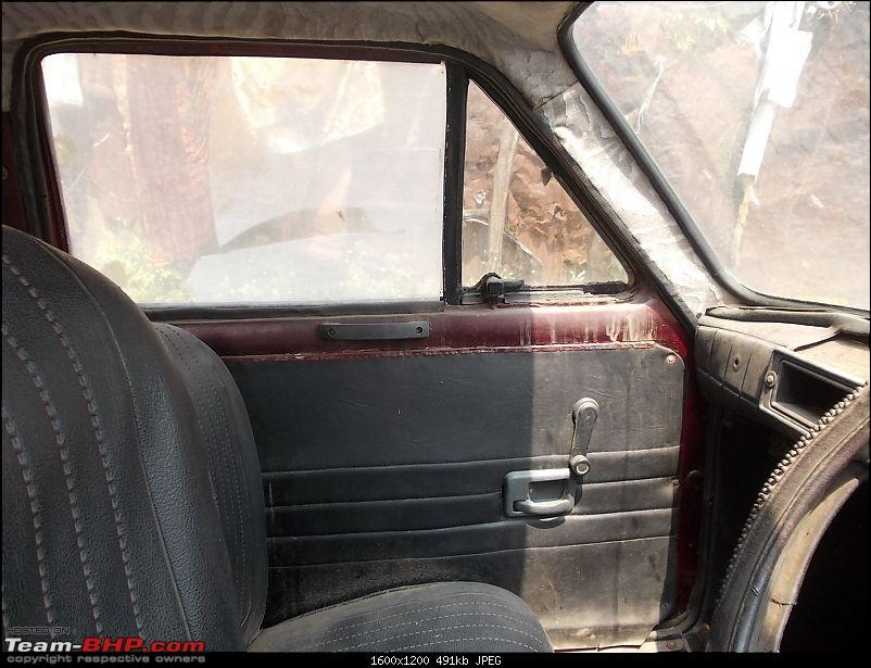 Rust In Pieces... Pics of Disintegrating Classic & Vintage Cars-02272014-jaipur-018.jpg