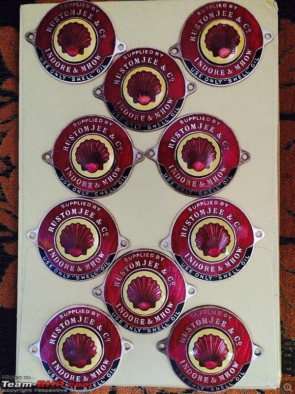 Vintage Related Memorabilia-badges-10-pcs.jpg