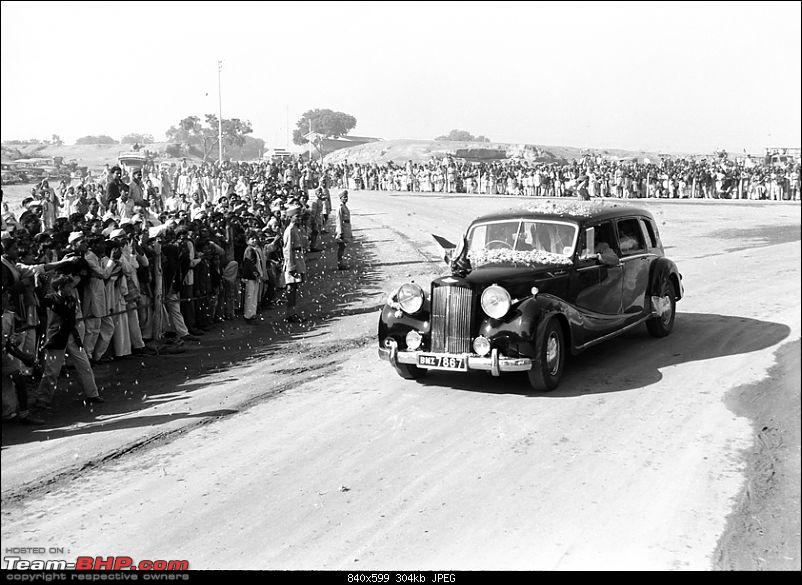 Vintage Diplomatic Cars in India-crowd-gather.jpg