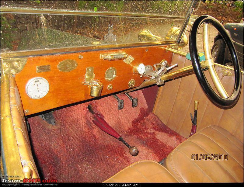 The Zigwheels and Fort Jadhavgadh heritage drive 2010-rover08.jpg