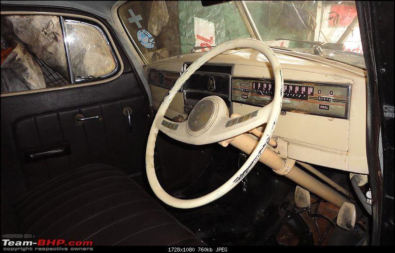 KOLKATA - Cars waiting to be Restored or Scrapped!-dsc01394.jpg
