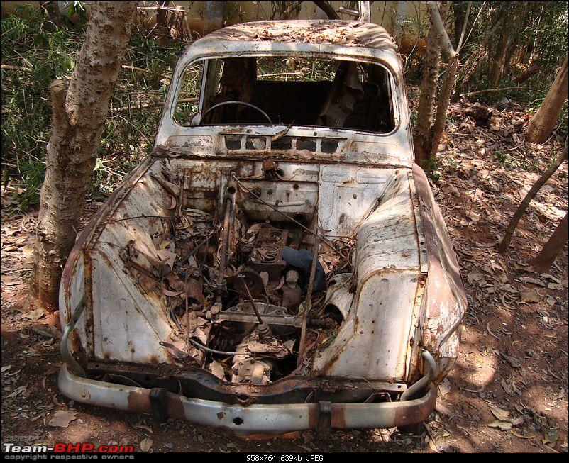 Rust In Pieces... Pics of Disintegrating Classic & Vintage Cars-renjunk01.jpg
