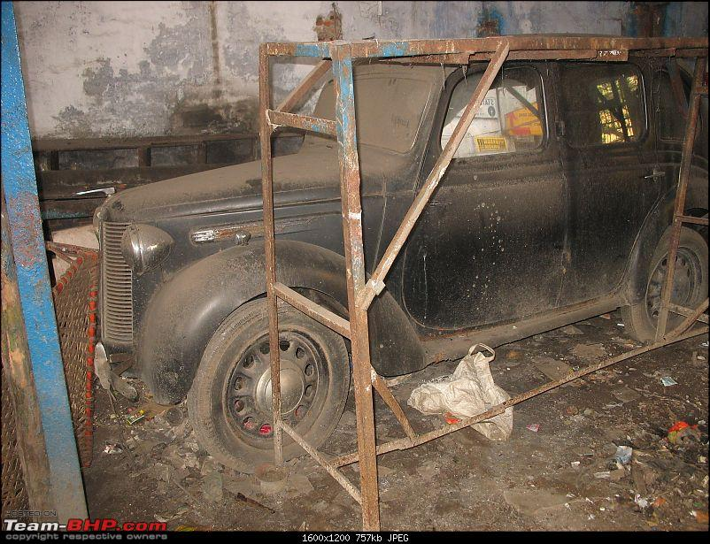 KOLKATA - Cars waiting to be Restored or Scrapped!-2.jpg