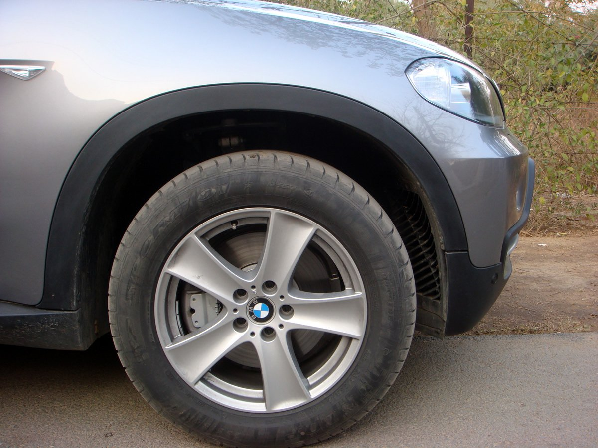 need advice on selling bmw x5 run flat tires then getting new ones team bhp. Black Bedroom Furniture Sets. Home Design Ideas