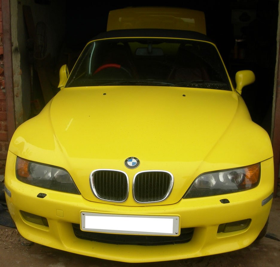 Pics Bmw Z3 Roadster In Mumbai Shahid Kapoor S Bmw And
